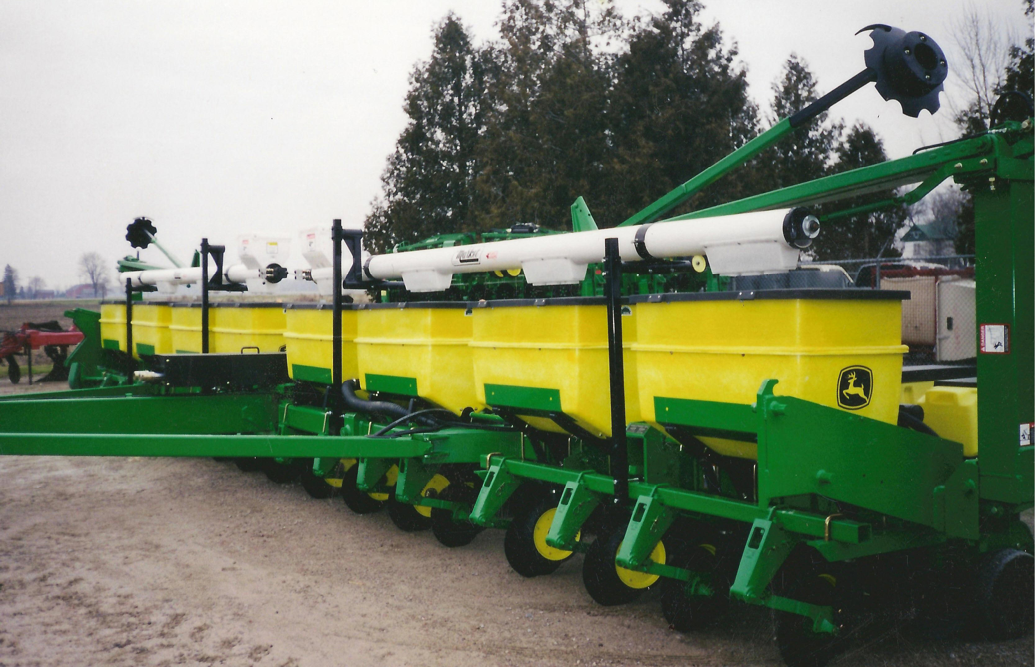 Market Planter Cross Augers Fertilizer